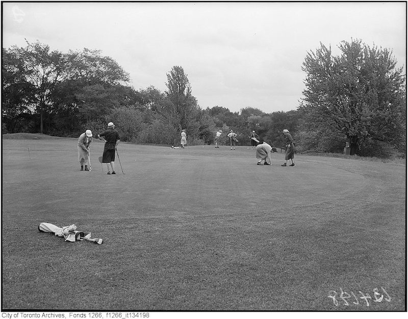 1949 - MAY 22 - Toronto Ladies' Golf 25th Anniversary, putting green
