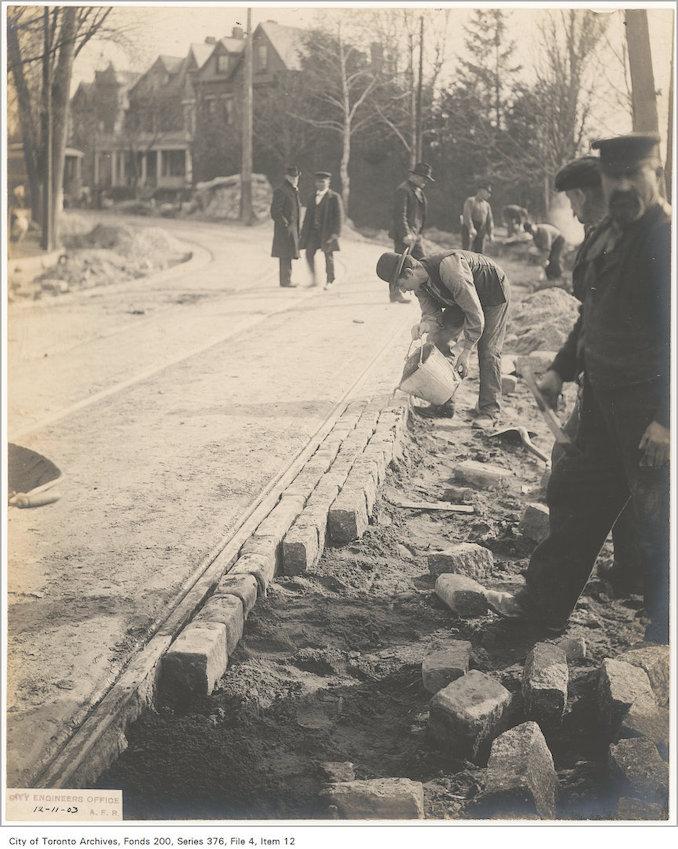 1903 - November 12 - King Street opposite Wilson