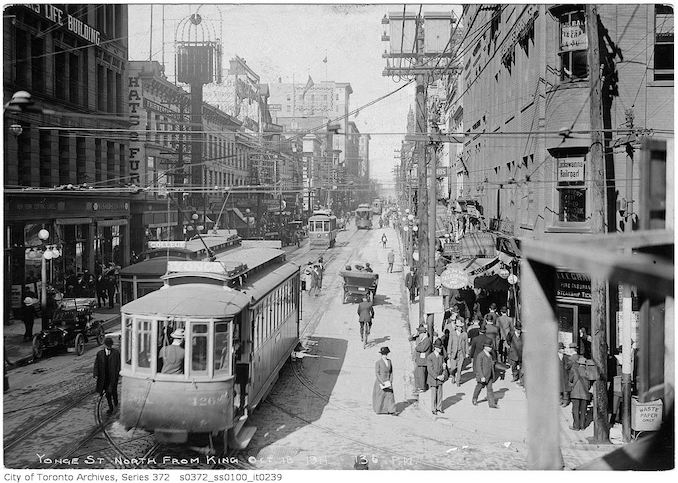 1911 - October 18 - Yonge Street north from King 130