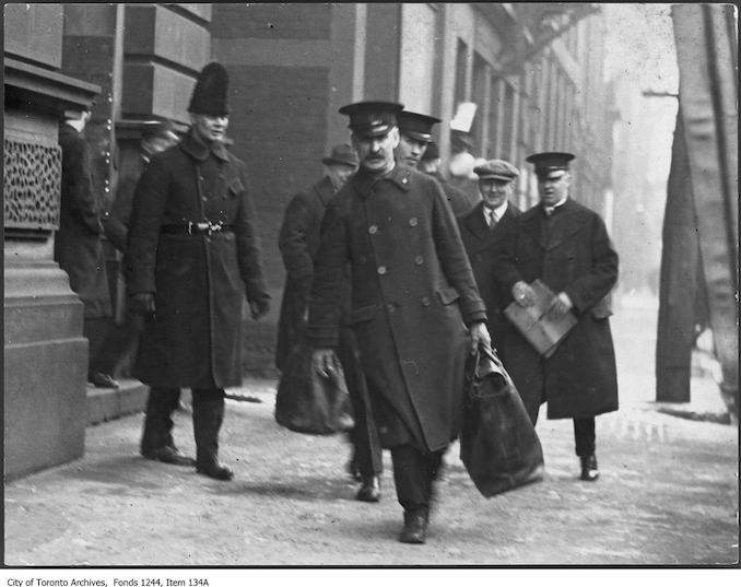 1912 - Two bank messengers, King Street West 2