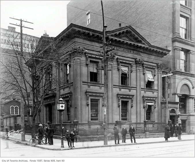 1913 - The Molson Bank, Cawthra House, King Street and Bay Street