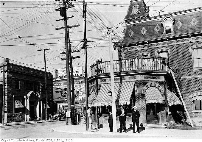 1914 - September 17 - King Street and Queen Street intersection, Sunnyside, Ocean House Hotel