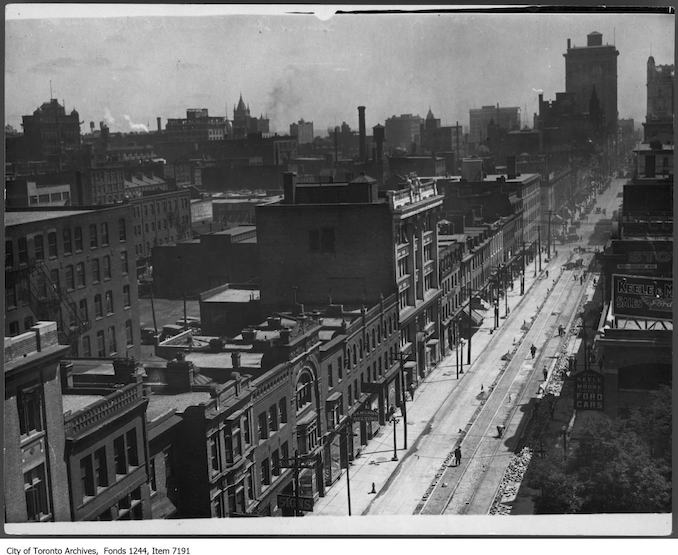 1919 - King Street, looking east toward York Street