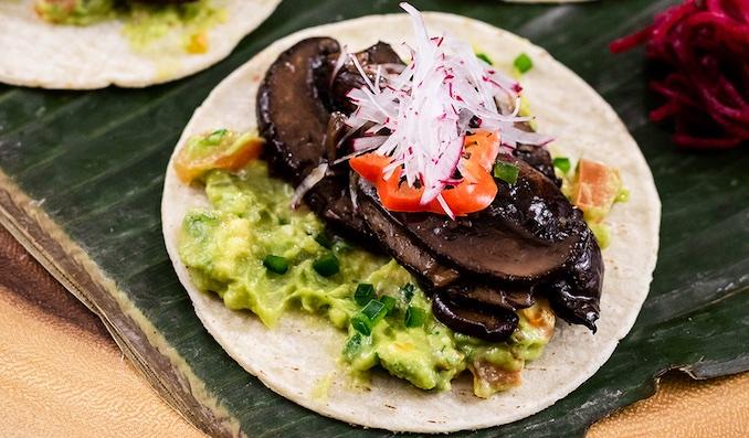 Ajillo mushroom tacos