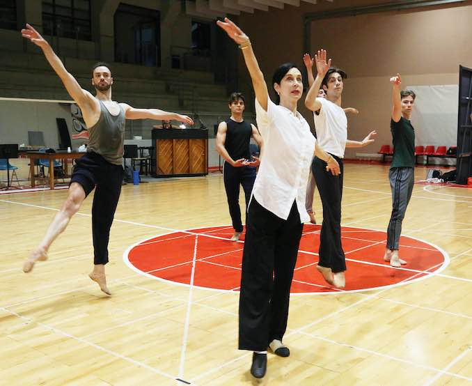 Jeannette Lajeunesse Zingg in rehearsal with dancers from La Scala for the Rossini Opera Festival in Pesaro, Italy.