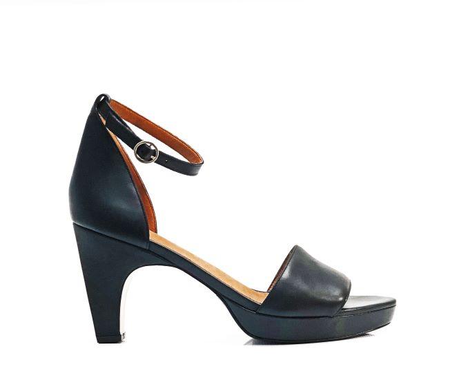 dr. Liza sandal in black