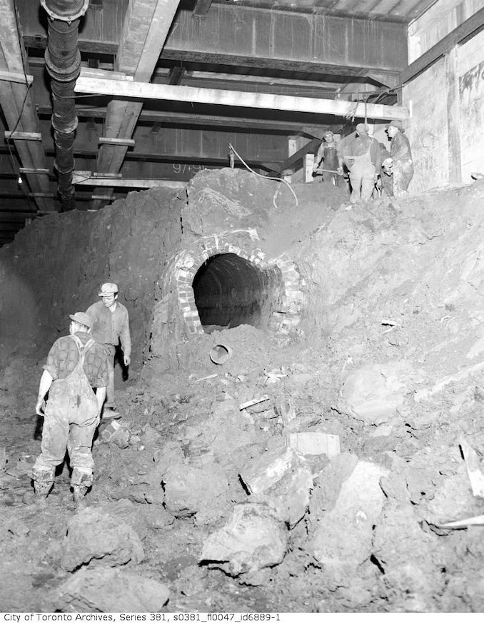 1950-May 18-Old sewer, Front Street