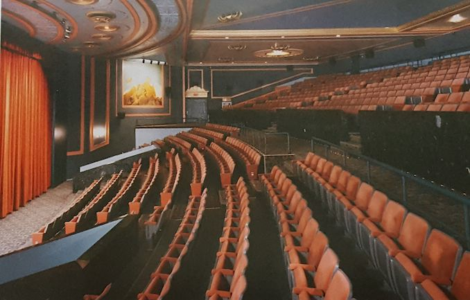 1987 - Pantages Cineplex Odeon balcony interior