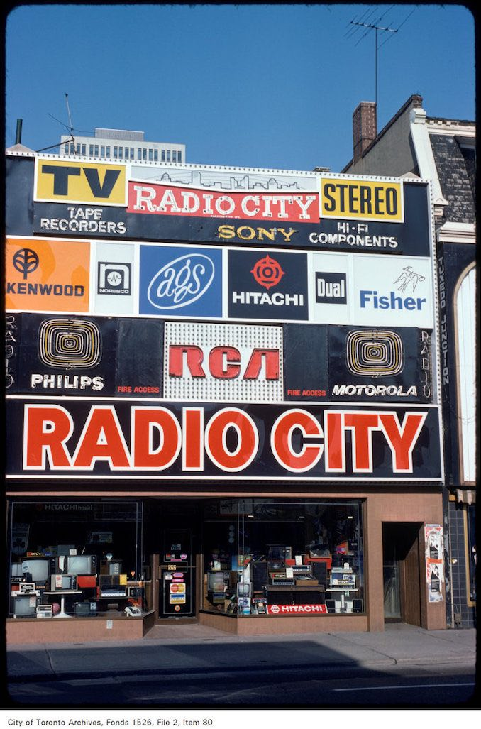 1975 - View of Radio City on west side of Yonge Street, south of Wellesley