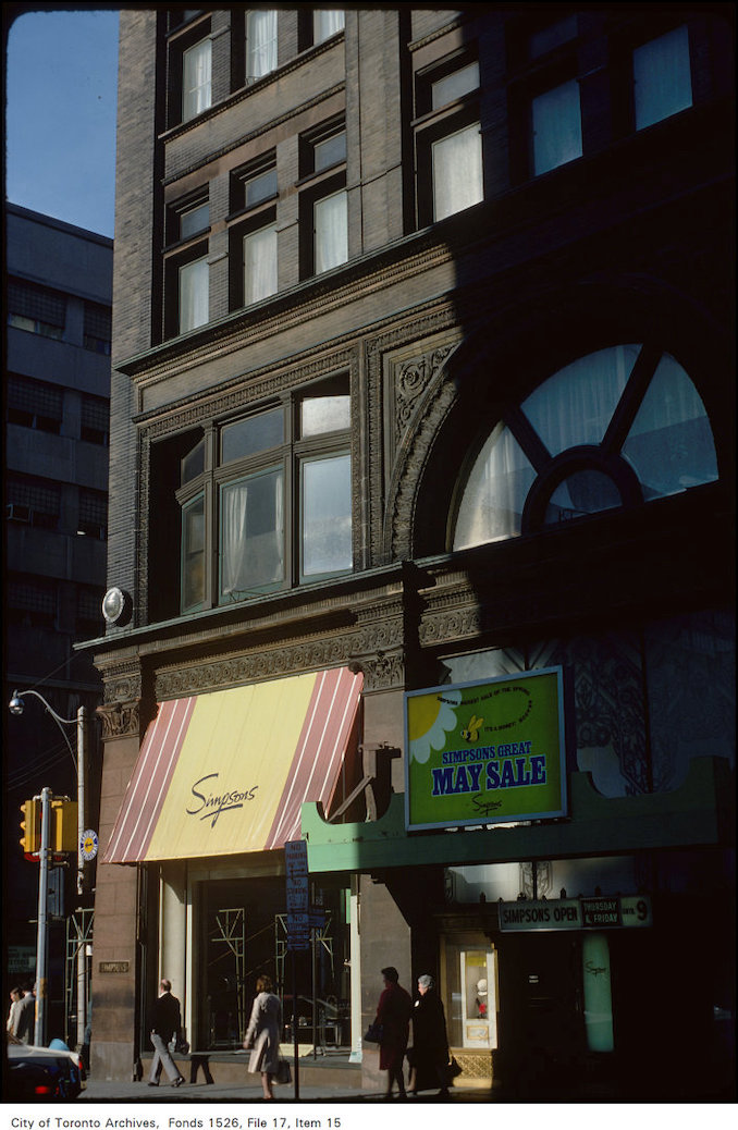 1977 - View of Simpson's at Yonge and Richmond Street corner