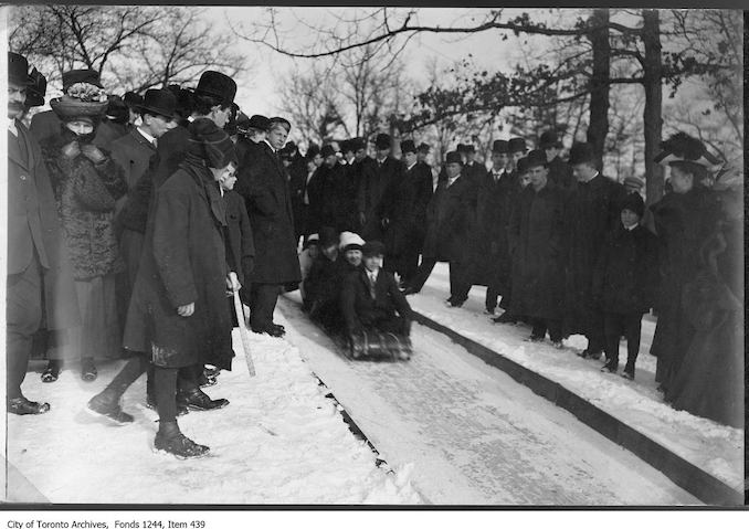 1906 - 1910 - The beginning of the toboggan run, High Park