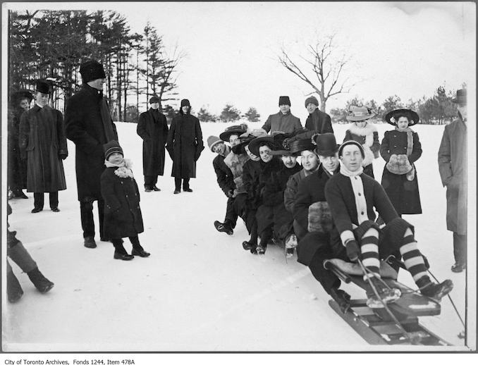 1911 - Group on toboggan