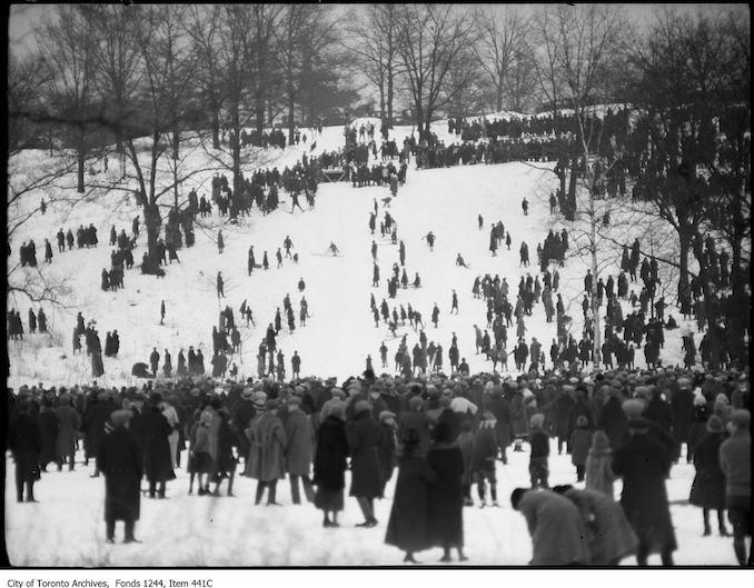 1912 - Toboggan runs