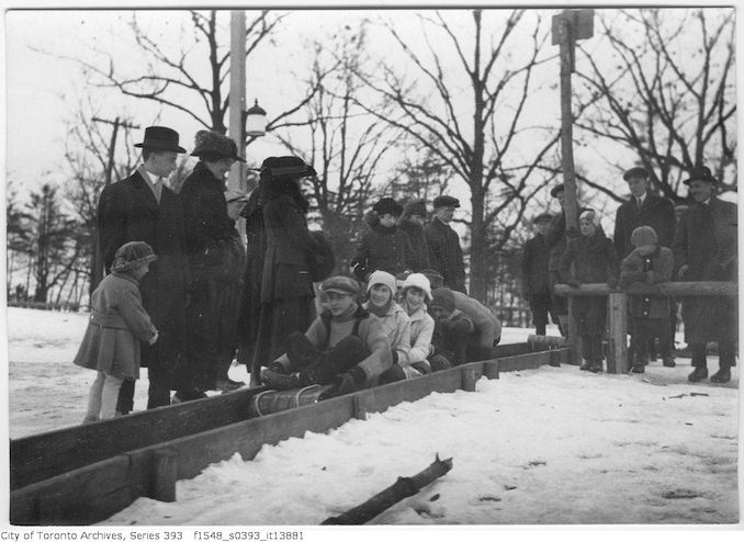 1916 - Toboggan slides starting down
