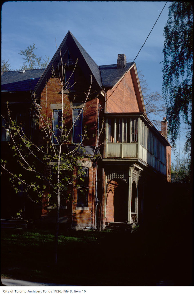 1977 - View of Victorian house on Carlton Street