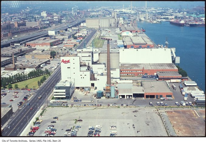 1980 - Queen Quay looking east, from east of Freeland