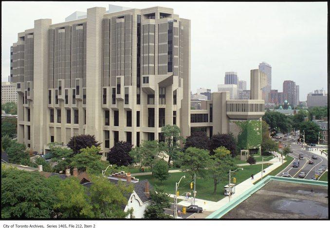 1980 - University of Toronto - Robarts Library