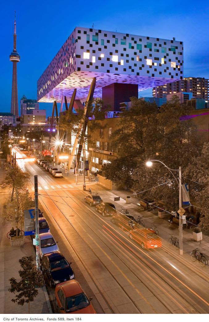 2007 - View looking south on McCaul Street, showing Ontario College of Art and Design and CN Tower